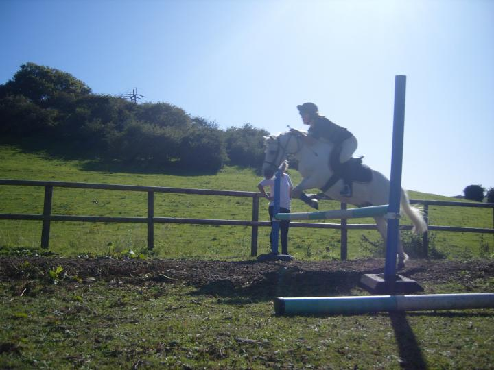Snow & Elle jump number 4 chase me charley:D