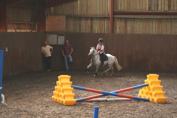 chestnuts-riding-school-034Jumping