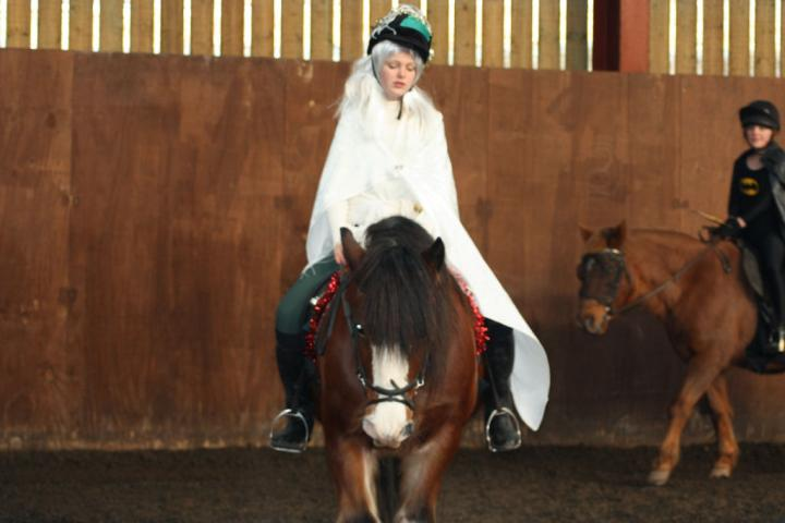 chestnuts-riding-school-christmas-gymkana-30-12-2008-pic56