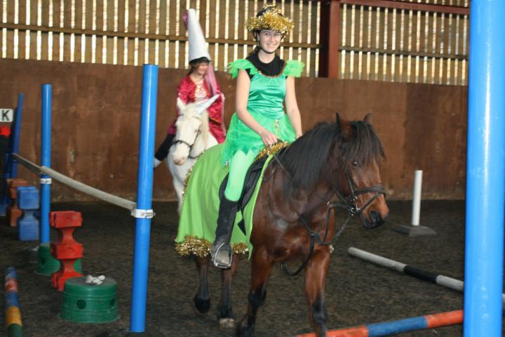 chestnuts-riding-school-christmas-gymkana-30-12-2008-pic78