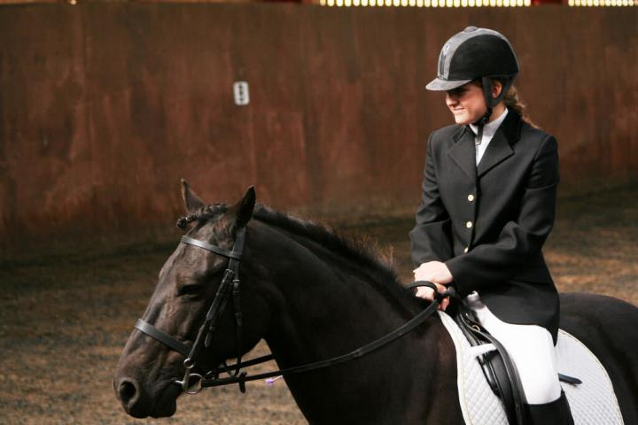 chestnuts-riding-school-sussex-brighton-dressage-2006-05-10-2008-13