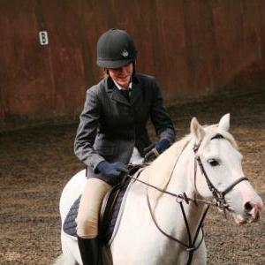 chestnuts-riding-school-sussex-brighton-dressage-2006-05-10-2008-25