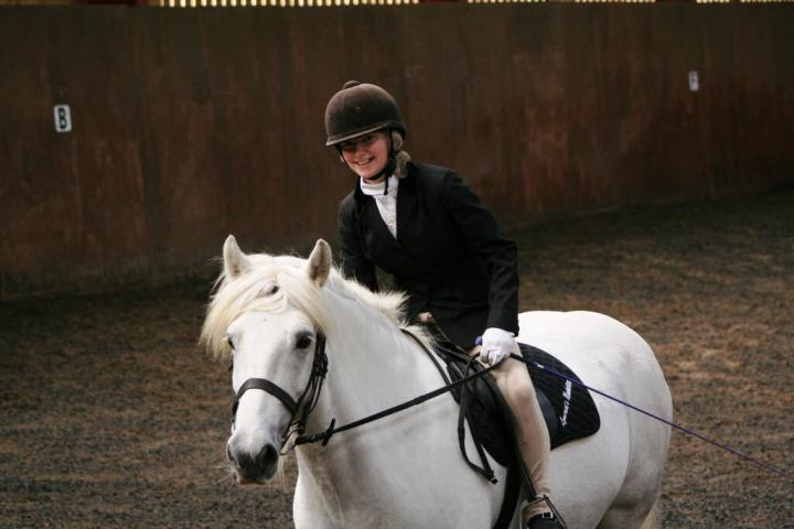 chestnuts-riding-school-sussex-brighton-dressage-2006-05-10-2008-36