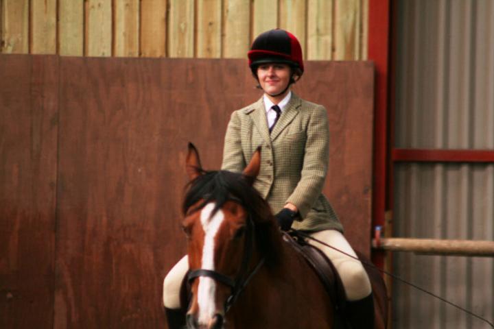 chestnuts-riding-school-sussex-brighton-dressage-2006-05-10-2008-37