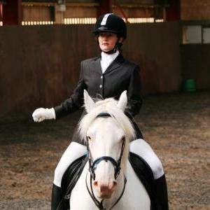 chestnuts-riding-school-sussex-brighton-dressage-2006-05-10-2008-41