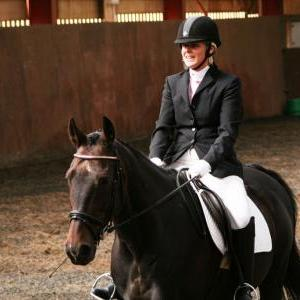 chestnuts-riding-school-sussex-brighton-dressage-2006-05-10-2008-42