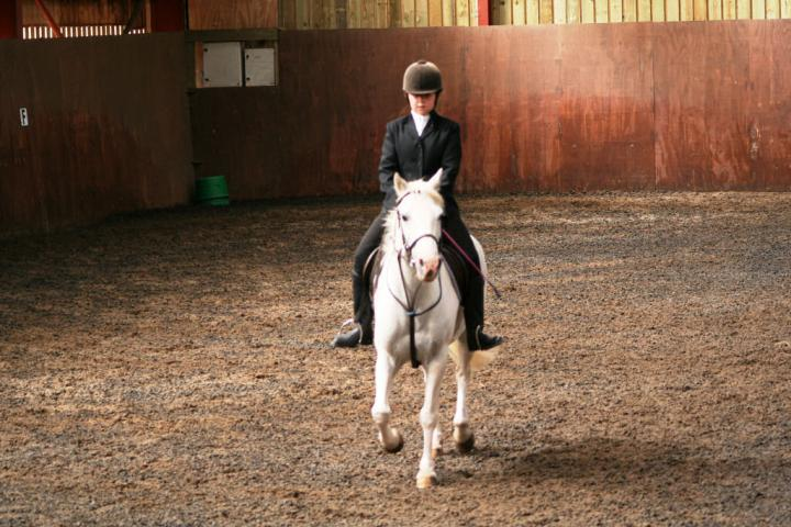 chestnuts-riding-school-sussex-brighton-dressage-2006-05-10-2008-54