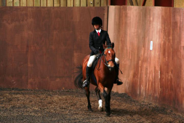 chestnuts-riding-school-sussex-brighton-dressage-2006-05-10-2008-66