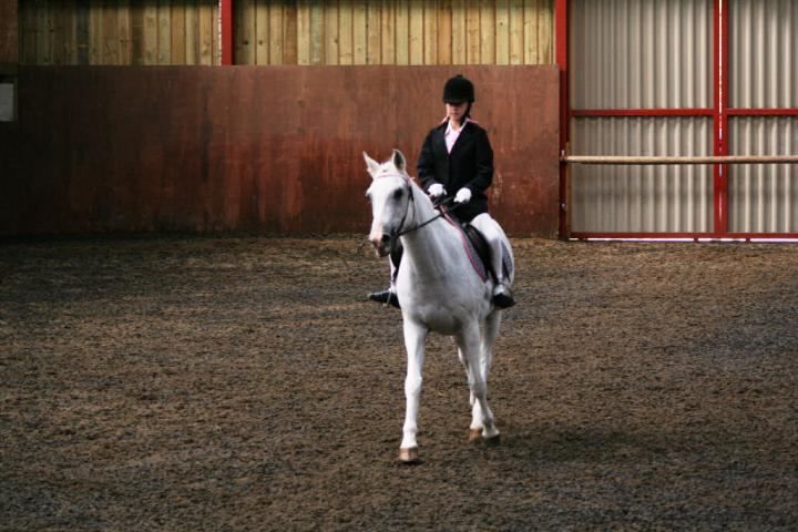 chestnuts-riding-school-sussex-brighton-dressage-2006-05-10-2008-87