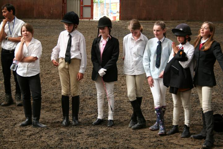 chestnuts-riding-school-sussex-brighton-dressage-2006-05-10-2008-90