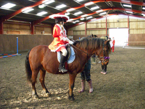 chestnuts-riding-school-sussex-brighton-xmas-show-2006-24
