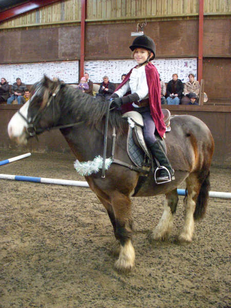 chestnuts-riding-school-sussex-brighton-xmas-show-2006-25