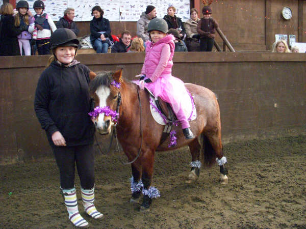 chestnuts-riding-school-sussex-brighton-xmas-show-2006-27