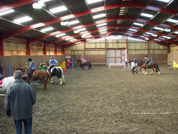 chestnuts-riding-school-sussex-brighton-xmas-show-2006-34