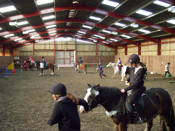 chestnuts-riding-school-sussex-brighton-xmas-show-2006-35