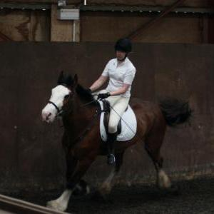 katie-and-daisy-chestnuts-riding-school-13-05-2009-b012-23