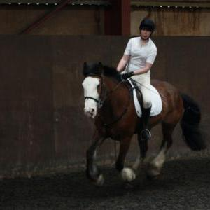 katie-and-daisy-chestnuts-riding-school-13-05-2009-b012-24