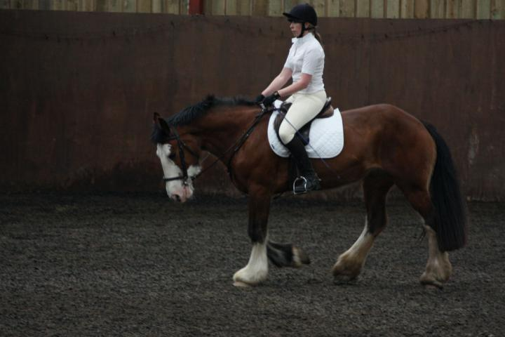 katie-and-daisy-chestnuts-riding-school-13-05-2009-b012-26