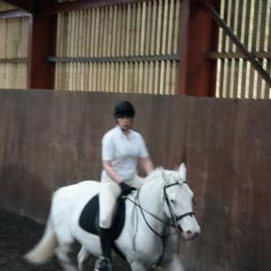 katie-and-tommy-chestnuts-riding-school-13-05-2009-b011-13