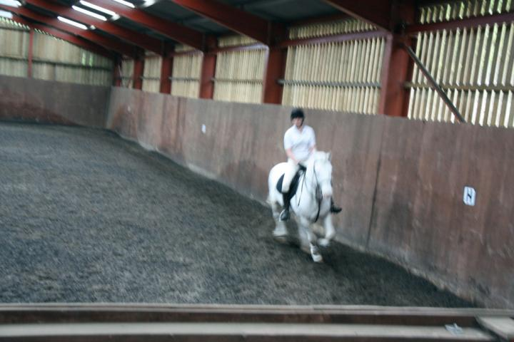 katie-and-tommy-chestnuts-riding-school-13-05-2009-b011-14