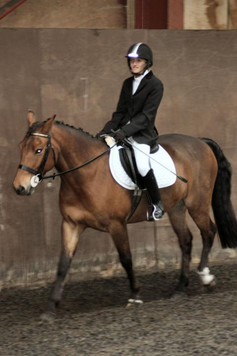 lucy-and-rupert-chestnuts-riding-school-13-05-2009-b003-07