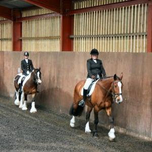 mervin-and-reilly-chestnuts-riding-school-15-05-2009-b006-01