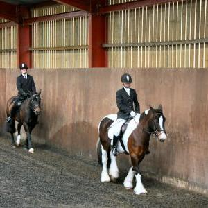 mervin-and-reilly-chestnuts-riding-school-15-05-2009-b006-02