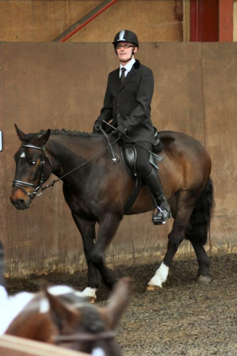 mervin-and-reilly-chestnuts-riding-school-15-05-2009-b006-13