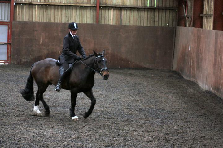 mervin-and-reilly-chestnuts-riding-school-15-05-2009-b006-27