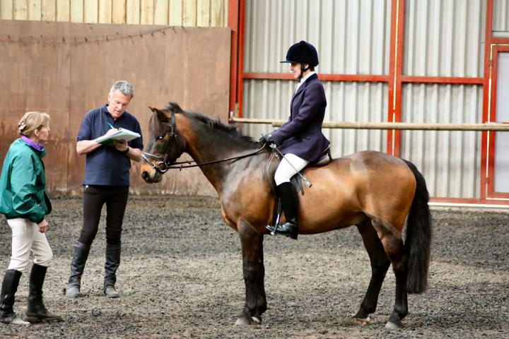 patsy-and-bud-chestnuts-riding-school-13-05-2009-b014-24