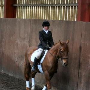 victoria-and-mcginty-chestnuts-riding-school-13-05-2009-b008-01