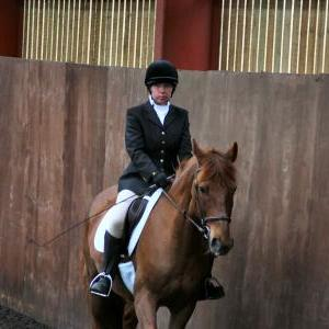 victoria-and-mcginty-chestnuts-riding-school-13-05-2009-b008-03