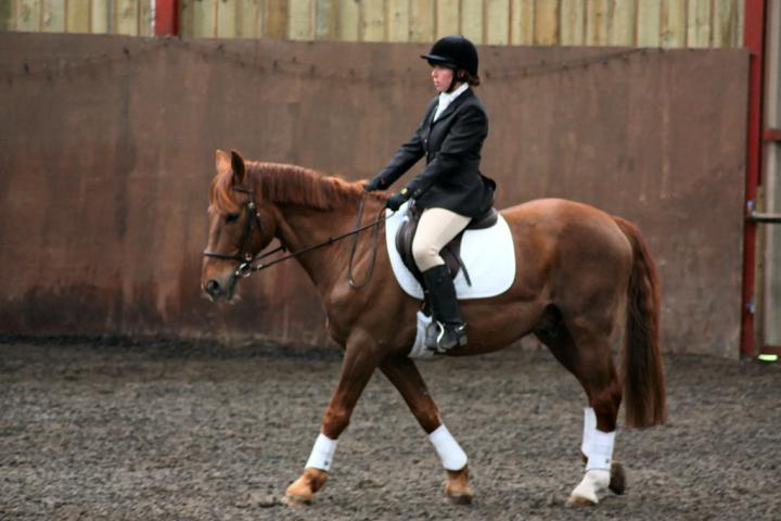 victoria-and-mcginty-chestnuts-riding-school-13-05-2009-b008-06