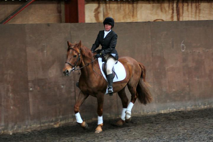 victoria-and-mcginty-chestnuts-riding-school-13-05-2009-b008-20