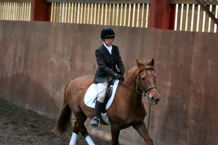 victoria-and-mcginty-chestnuts-riding-school-13-05-2009-b008-22