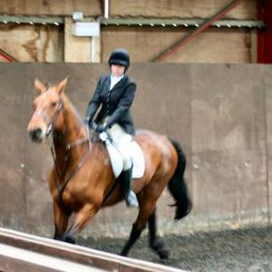 victoria-and-ronan-chestnuts-riding-school-13-05-2009-b009-09