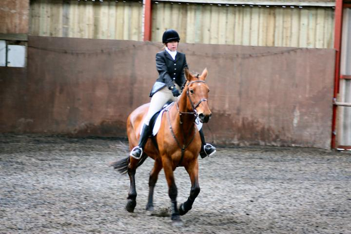 victoria-and-ronan-chestnuts-riding-school-13-05-2009-b009-12