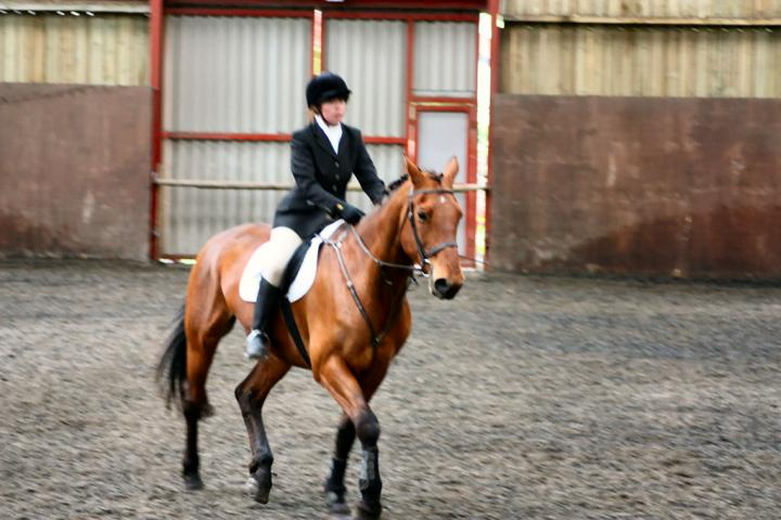 victoria-and-ronan-chestnuts-riding-school-13-05-2009-b009-13