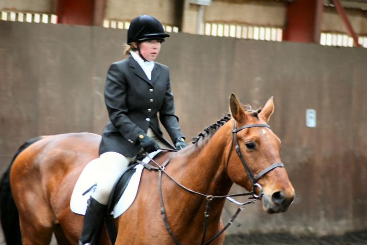 victoria-and-ronan-chestnuts-riding-school-13-05-2009-b009-17